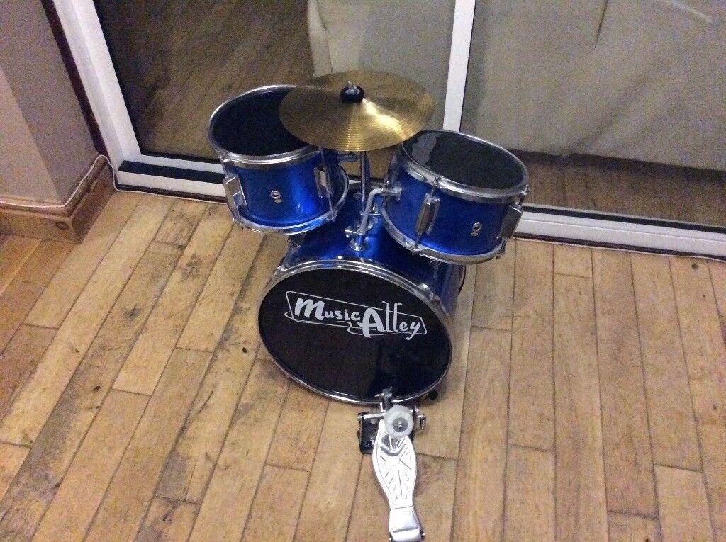 Kids Brand Alley Drum Set