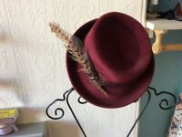 Hat with feather. Very nice, perfect condition £10
