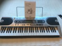 Casio LK 70s keyboard, battery or electronic use (key lighting system)