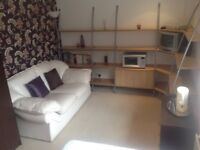 Room to rent in modern house, close to Stamford. Large double room with own amenities.