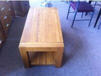 EXCELLENT CONDITION! Solid oak coffee table