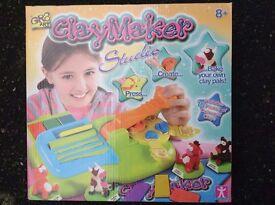 GR8 Art Claymaker Studio (Toys, Lego, Minion, Peppa Pig, Barbie, Disney)