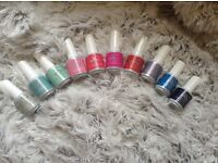 Home service manicures and gel polish. Excellent, professional and personalised service.