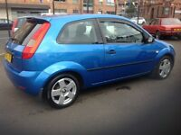 Ford Fiesta zetec climate 1.4 55 plate only 85000 miles PSH (6 stamps) 1 lady owner blue metallic