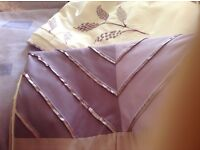 White and lilac downie covers & lilac curtains 66x54, accessories to match