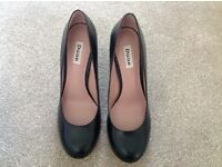 Beautiful Never Worn Dune Black Leather Court Shoes - Size 8