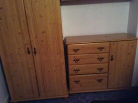 6 ITEMS. Set of bedroom furniture ..(see all photo's)