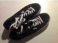 Great pair of black & white Vans size 6.5