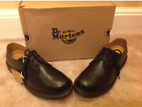 Dr Martens 1461 PW Eyelet Black Smooth 11839002 comfort fit Rounded toe size 9