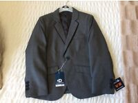 Child's 3 piece suit in great aged 6 brand new with tags, page boy outfit