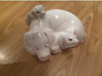 Beswick pig and piglets