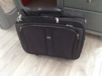 "Brand new Kensington Contour Roller 17"" laptop bag"