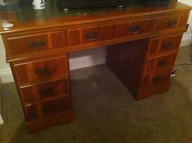 Beautiful antique style desk £50