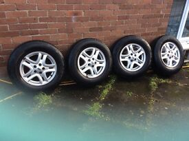 4 x Freelander 2 Alloy wheels with Continental tyres