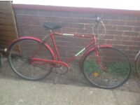 Vintage 1977 Mans Ammaco Traditional Town Bike 3 sp