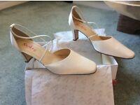 Ivory bridal shoes