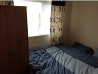 Double room in chilled out family home