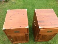 A matching bed side cabinets in excellent condition solid wood grab your self a bargain.
