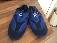 Swim shoes size 4 New