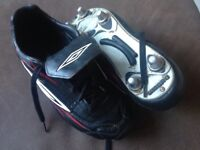 Used Umbro football boots adult size 6 - metal studs, great conditon