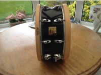 Yamaha Anton Fig custom snare in piano black.