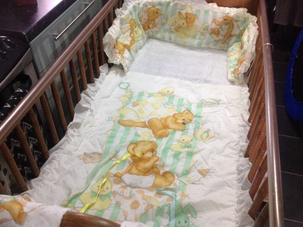 Complete Nursery Set In Nybears Design White Lemon And Green