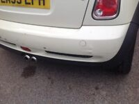MINI COOPER S REAR BUMPER PEPPER WHITE R53 2006 HATCH SOME DAMAGE . MIGHT BE USE TO SOMEONE?