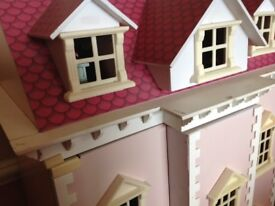 Dolls House.good condition,plenty of furniture. To collect.