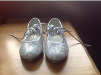 Boxed Tappers and Pointers Girls Tap Shoes Size 8
