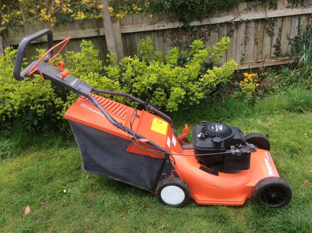Husqvarna Royal 48s Petrol Lawnmower In Leicester