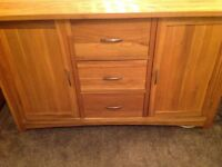 Stunning Solid Oak Sideboard Reduced