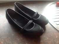 Skechers ladies Mary Jane type shoes size 6