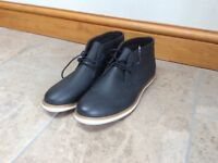 Blue men's chukka boots size 10 (brand new)