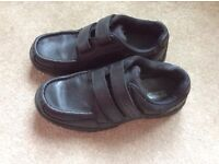 Rhino boys school shoes from Office size 5