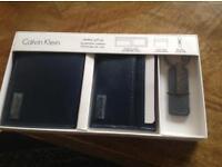 Calvin Klein leather gift set navy blue new boxed genuine