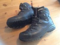 Hiking mens Gore-tex boots 9.5uk