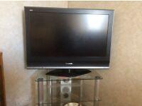 """Panasonic 32"""" TV + stand"""