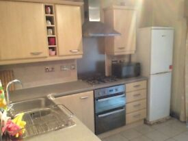 One en-suite and two other double rooms in a 4bed student house in Loreto Place, Hulme
