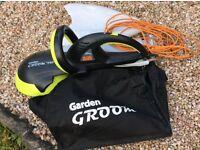 """""""Garden Groom"""" hedge trimmer"""