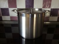 Costco stock pot