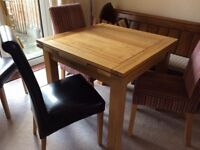 EXTENDING OAK DINING TABLE