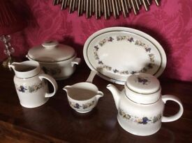 Royal Doulton Harvest Garland dinner service and matching tea set, 63 pieces in all