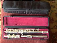 Yamaha 211 flute excellent condition with hard case and carry case.