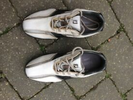 Golf shoes, FootJoy, Size 2, white, good condition