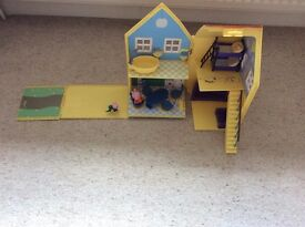 Peppa Pig Toy House and Accessories