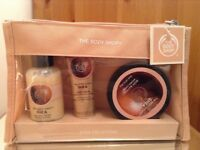 New The Body Shop - Gift Set - Shower cream / Hand cream / Body butter