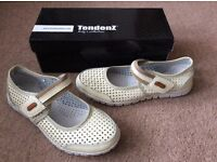 Ladies Smart Casual Shoes size 37 Leather BNIB