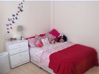 Nice Double Room For Rent Call 07464932861