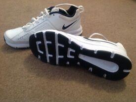 f0e1b70beac1 Size 7 white Nike trainers