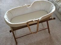 Moses basket - stand including sheets x5